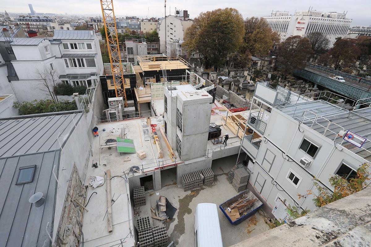 time lapse construction chantier bois Paris Montmartre