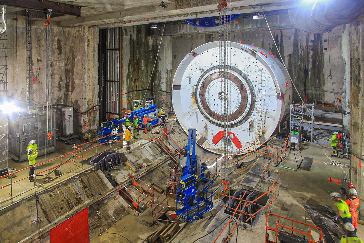 time lapse de de construction du tunnelier grand paris